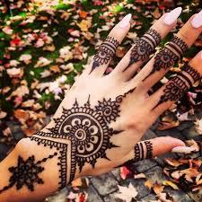 Tatuajul cu henna