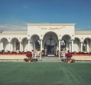 Salon Luceafarul - POPAS CUCORĂNI